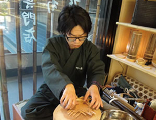 竹工芸職人(男性)